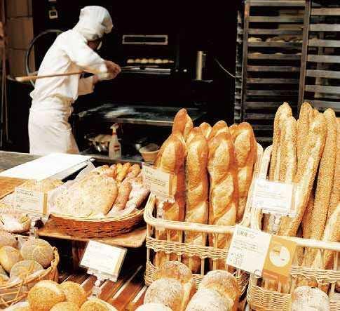 建替え前 最後!アンデルセンでパン祭り、パンの無料振舞いなど