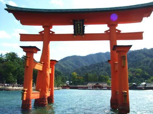 2016年に行きたいパワースポットランキングに厳島神社!ご利益感じた場所とは