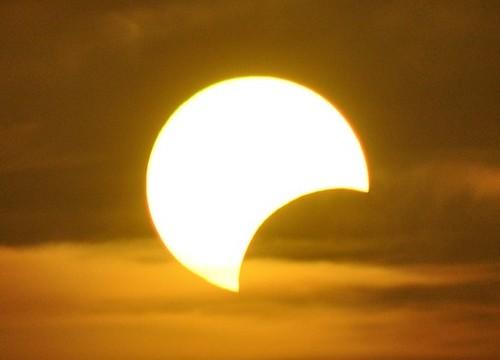 日本で4年ぶりの日食、2016年3月9日に