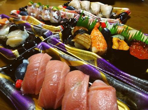お持ち帰りのすし健、人気寿司店の味が気軽にお家で