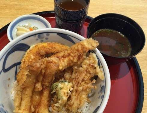 宮島に天ぷら店 津久根島、大鳥居を臨むロケーションに