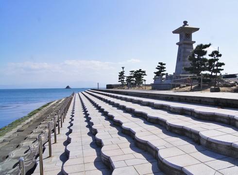 梶ヶ浜海水浴場、キャンプや釣りも楽しめる呉市下蒲刈島の白砂ビーチ