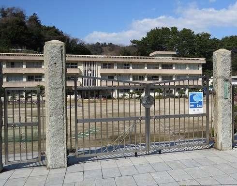 モヒカン故郷に帰る、ロケ地になった下蒲刈中学校