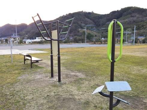 大津泊庭園の健康器具