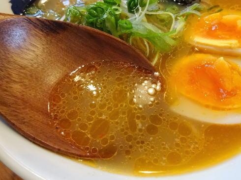 もんごいらーめん スープ