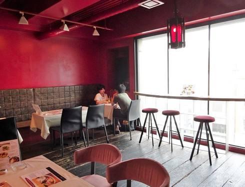 広島市 並木通りバルバニーカフェ 店内の様子3