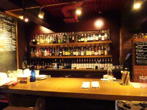 広島市 並木通りバルバニーカフェ 店内の様子