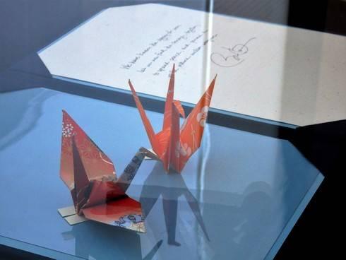 オバマ大統領の折り鶴、平和記念資料館で夏まで展示
