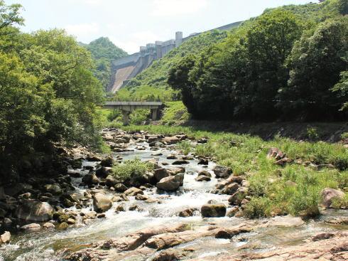 河佐峡 上流には八田原ダム