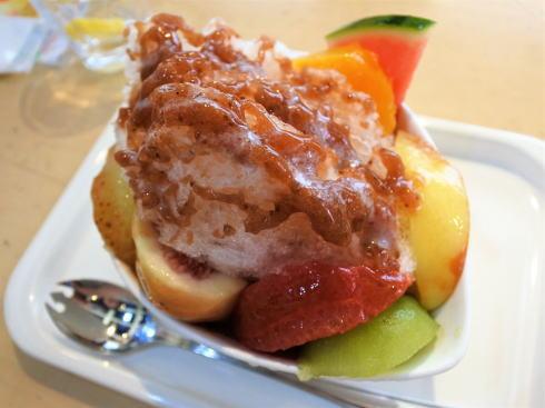 広島の果物屋・タマルのかき氷は、フルーツがゴロゴロ!