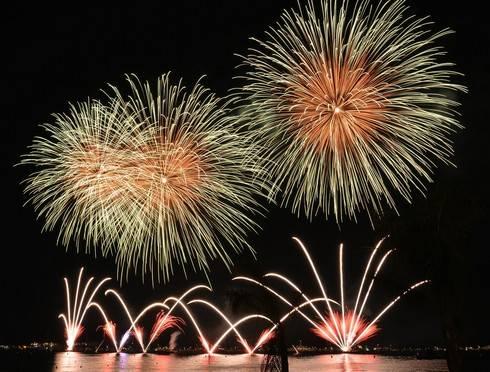 福山 クレセントビーチ夏祭り 2016、2000発打ち上げ花火も