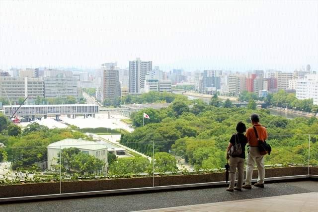 おりづるタワー、展望台から広がる広島の美しさと平和の祈り