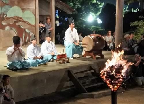 乙九日炎の祭典、神社で大松明奉納