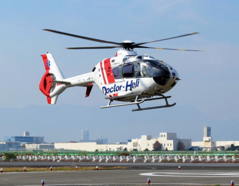 広島ヘリポート「空の日フェスタ」ヘリコプター展示・遊覧など