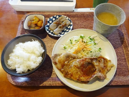 世羅 古民家カフェ ルポ(Cafe Repos) 一汁三菜ランチ