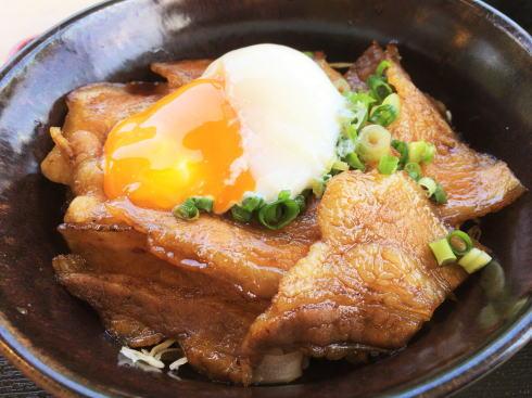 へんぽこ茶屋、北広島のドライブ休憩に立寄りたい農家のガッツリ豚丼