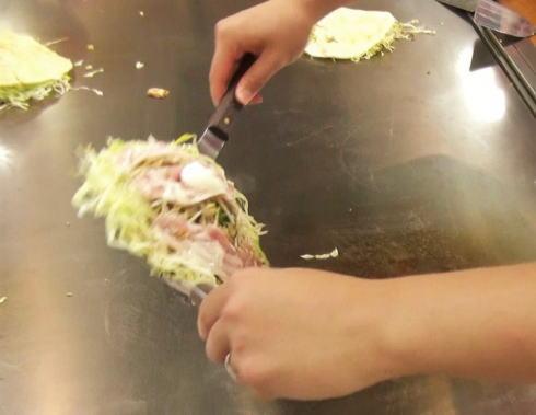 オタフクソース ウッドエッグで広島お好み焼き体験 写真4