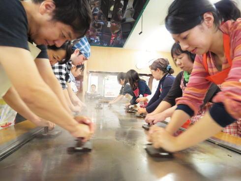 オタフクソース ウッドエッグで広島お好み焼き体験 写真7