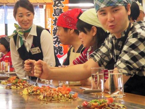オタフクソース ウッドエッグで広島お好み焼き体験 写真6