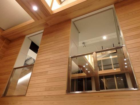 JR廿日市駅、美しい木の駅舎