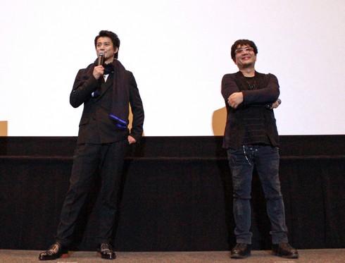 小栗旬と大友監督 広島の舞台挨拶で