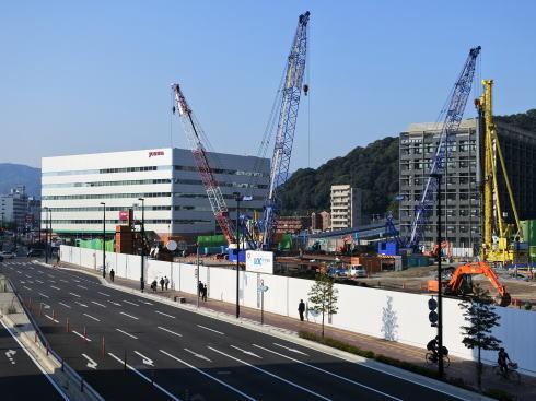 広島新幹線口(北口)で今もなお進む工事(二葉の里)