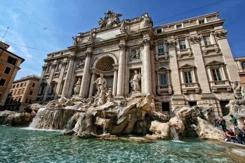 トレビの泉 / ローマ
