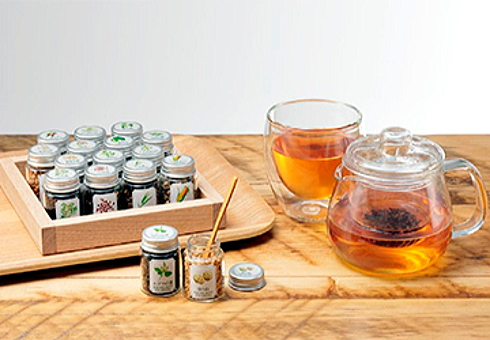 十六茶マイブレンド体験、カフェコムサ広島など全国10店舗で