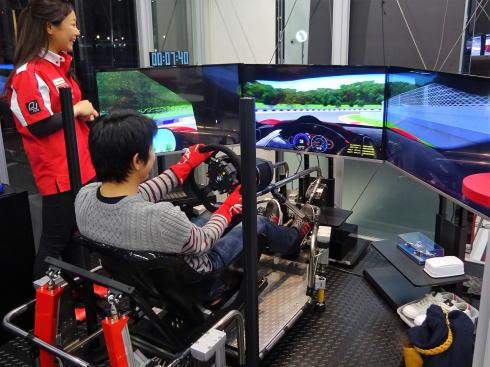 D-BASE、広島にドライブシミュレーターカフェ!車好き大人の遊び場