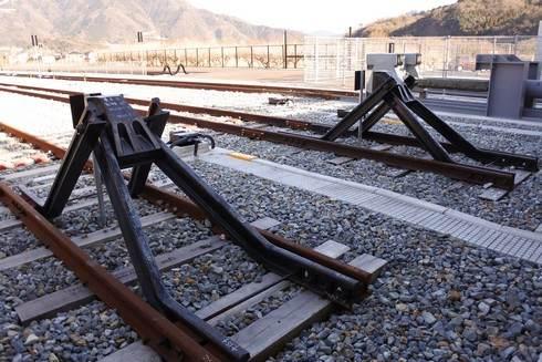 可部線の終着駅「あき亀山駅」レールの最後