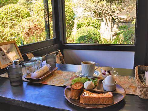 ボヌールケイ、小さな庭園眺める古民家ベーカリーカフェ