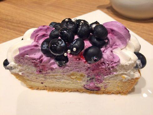 カフェコムサ 福屋広島駅前店 ブルーベリーのケーキ