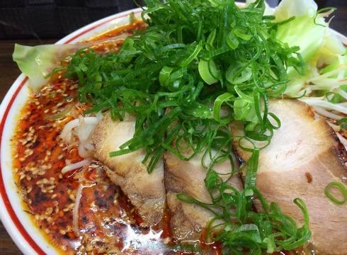 貨物コンテナのラーメン店・山創、阿戸の名水で作ったスープに舌鼓