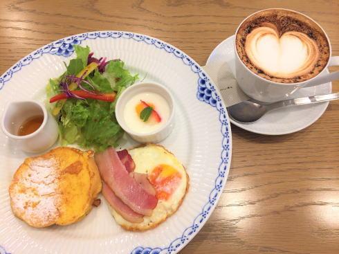 広島アンデルセン 2階カフェ