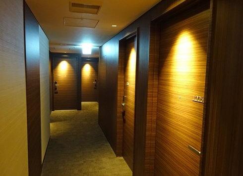 ホテル川島・客室階の廊下の様子