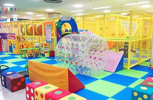 キッズUSランド 三次CCプラザにオープン、県北部初の巨大屋内遊園地