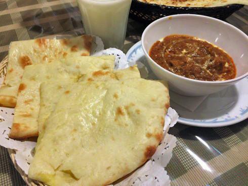 インド料理店 TAJ(タージ)三次店 チーズナン