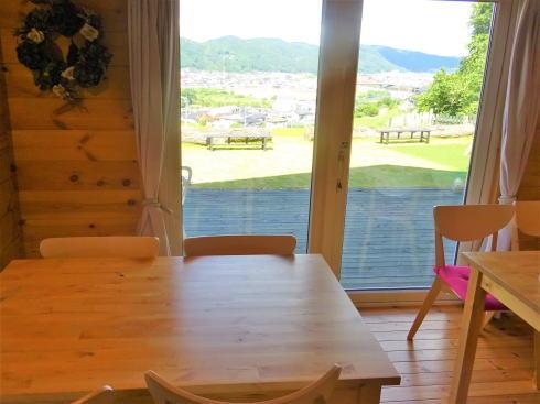 三次市高谷山 ピザ&カフェ ブリーゼ 店内テーブル3