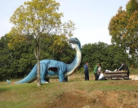 蜂ヶ峰公園 恐竜の森1