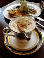 尾道浪漫珈琲 本店、まちかどのレトロな喫茶店が人気