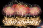 一生に一度は見たい!全国有名花火大会の人気ランキング、宮島もトップ10入り