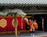 神楽殿の「わら龍」23年ぶりに掛け替え、とんどのお焚き上げや制作体験など開催