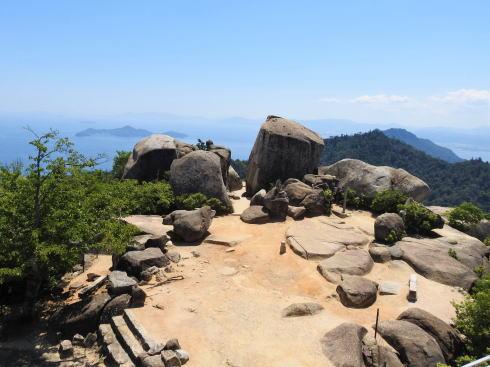 弥山山頂の風景