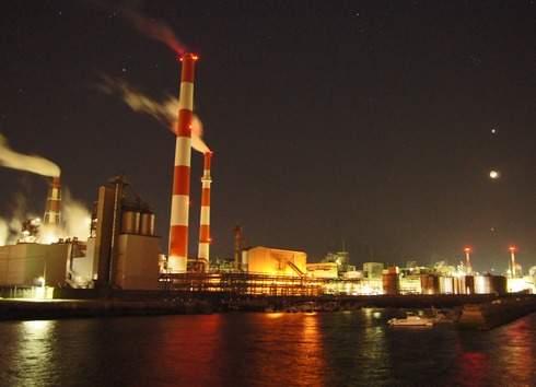 大竹コンビナートの夜景、工場萌え 海と煙突