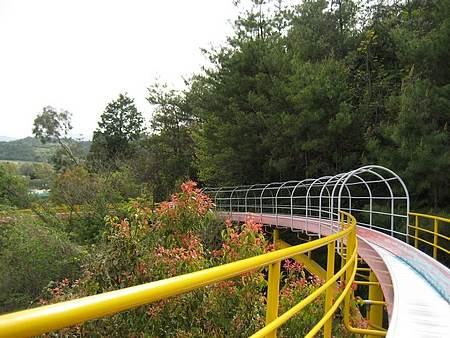 蜂ヶ峯公園 滑り台3