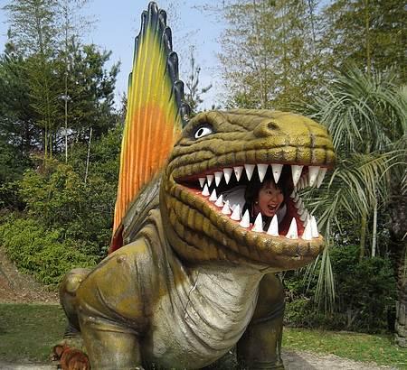 蜂ヶ峰公園 恐竜の森3