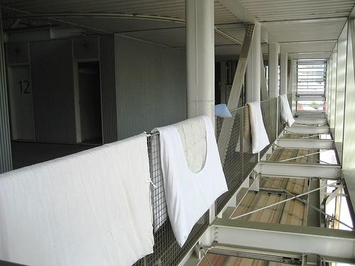 スケルトン消防署 仮眠室2