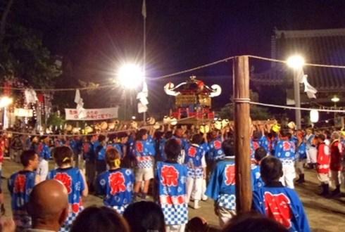 祇園祭 2010 福山で けんかみこし が激突!
