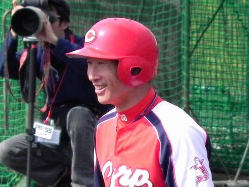 赤松選手のホームランキャッチに、海外が興奮 「彼は忍者だ!」