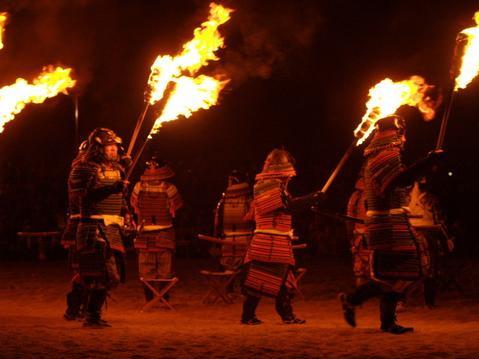 因島水軍まつり 「火まつり」 跳楽舞や甲冑武者の松明練りまわしも